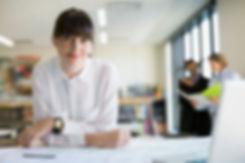 Mulher em um escritório