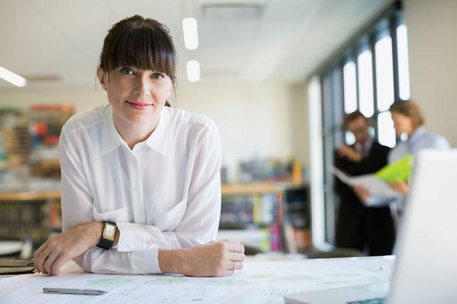 Vrouw in een kantoor