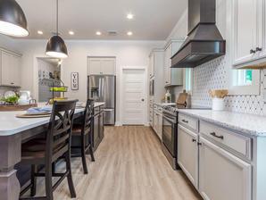 9315 Kitchen (Right)