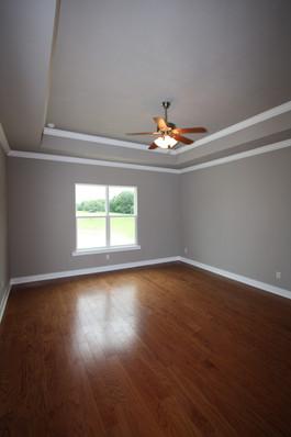 9273 (17) Master Bedroom.JPG
