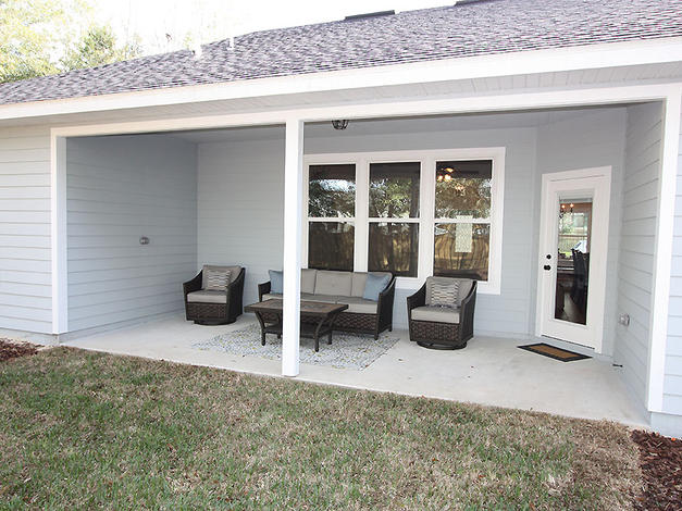 9256 Back Porch
