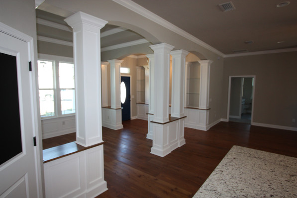 9261 Foyer and Dining