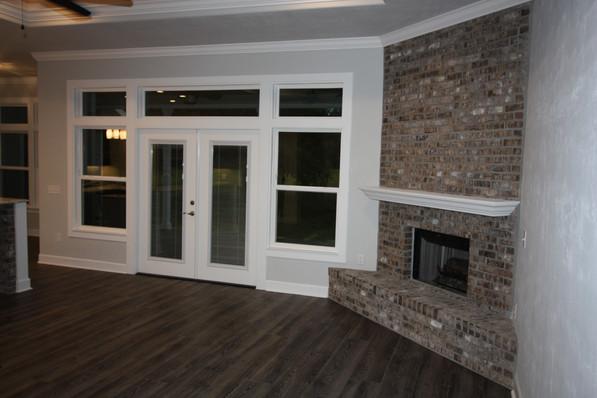 9283 (05) Living Room.JPG