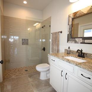 9263 (17) Bathroom Two.JPG