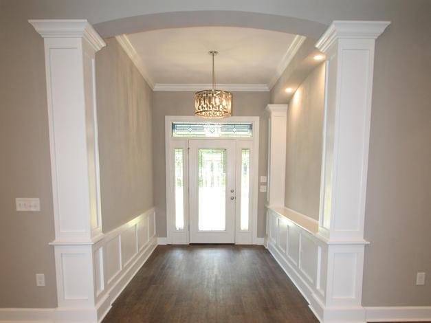 9299 Foyer