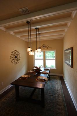 9252 (08) Dining Room.JPG