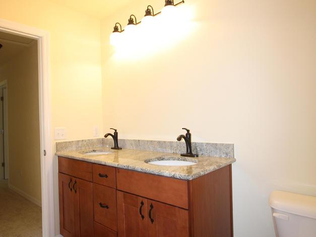 9246 Amelia (19) Bathroom 2 Vanity.JPG