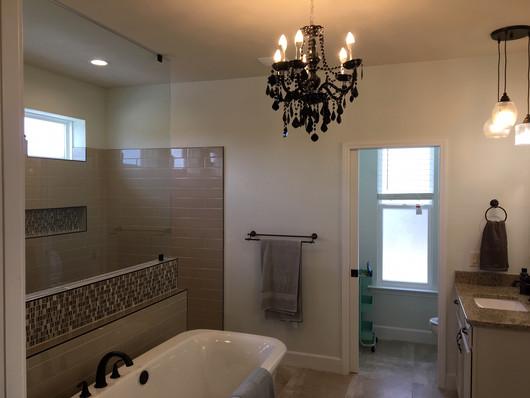 9292 (17) Master Bathroom.JPG