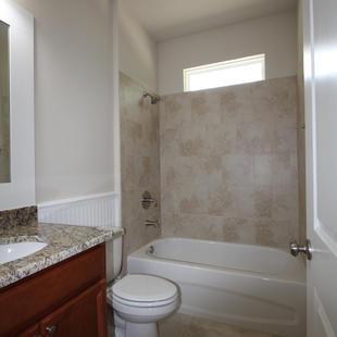 9280 (13) Bathroom 2.JPG