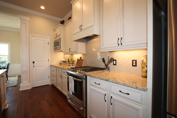 9263 (08) Kitchen.JPG