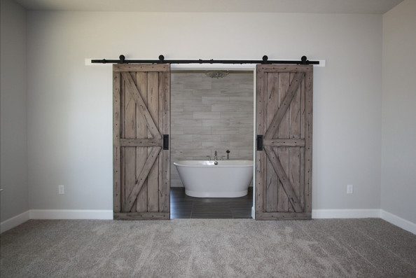 9313 (05) Master Bathroom Barn Doors.JPG