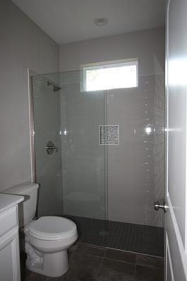 9299 (20) Bathroom 2.jpg