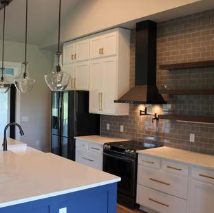9287 (09) Kitchen.JPG