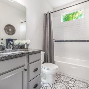 9315 (19) Bathroom 2.JPG