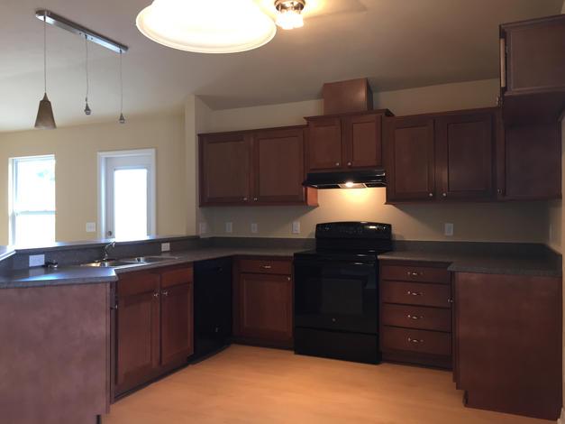 1039 Kitchen
