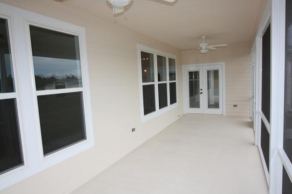 9250 (28) Porch.JPG