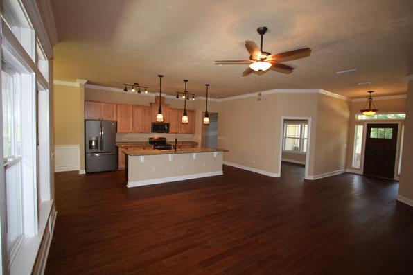 9249 Memphis (03) Living Area.JPG