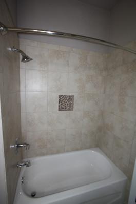 9273 (26) Bathroom 2.JPG