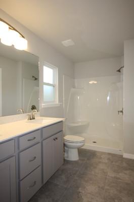 9269 (03) Master Bathroom.JPG