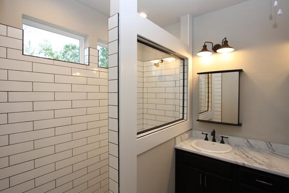 9293 (20) Master Bathroom.JPG
