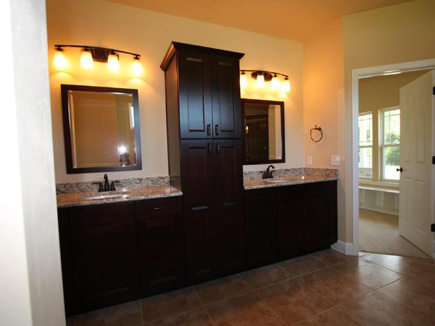 9249 Master Bathroom