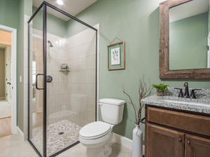 Augusta 23 Bathroom 2