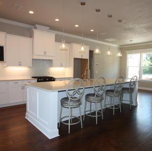 9295 (08) Kitchen.JPG