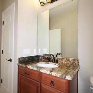 9259 (16) Bathroom 3 Vanity.JPG