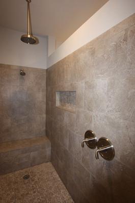 9283 (20) Master Bathroom Shower.JPG