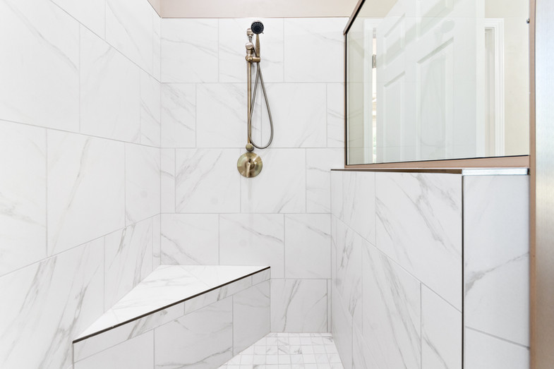 9320 (36) Master Bathroom.JPG