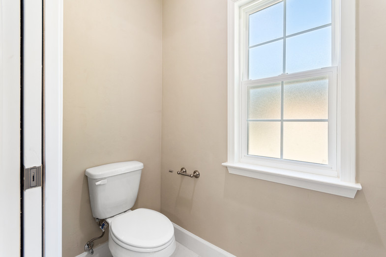 9320 (38) Master Bathroom.JPG