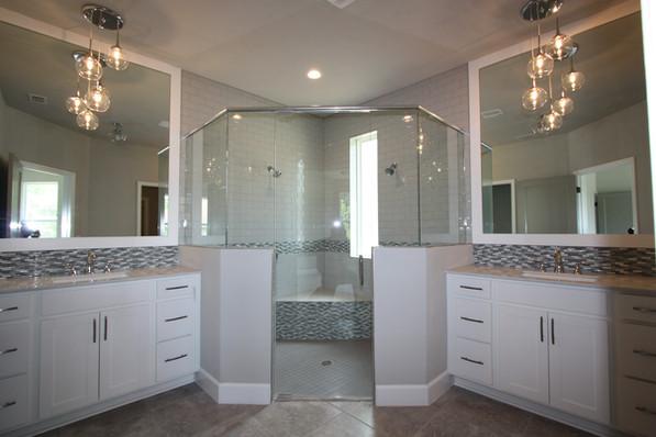 9289 Master Bathroom
