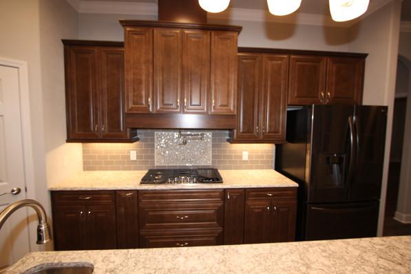 9283 (08) Kitchen.JPG