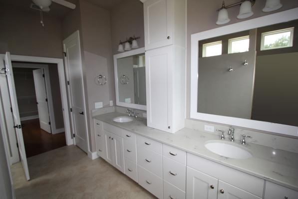 9273 (20) Master Bathroom.jpg