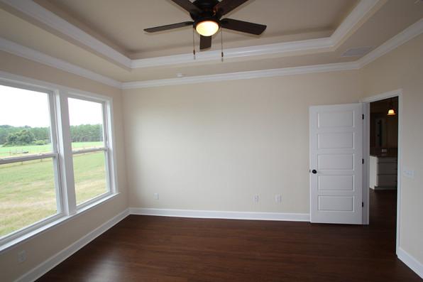 9250 (18) Master Bedroom.JPG