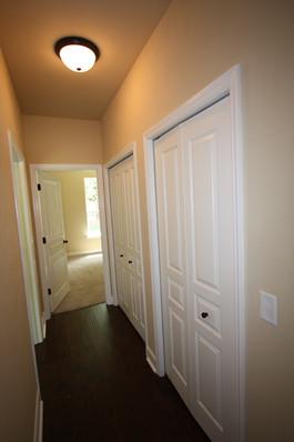 9252 (23) Hallway.JPG