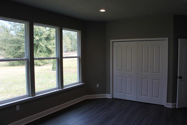 9284 (20) Bedroom.JPG