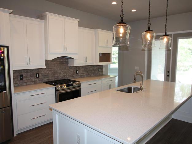 9289 Kitchen and Island