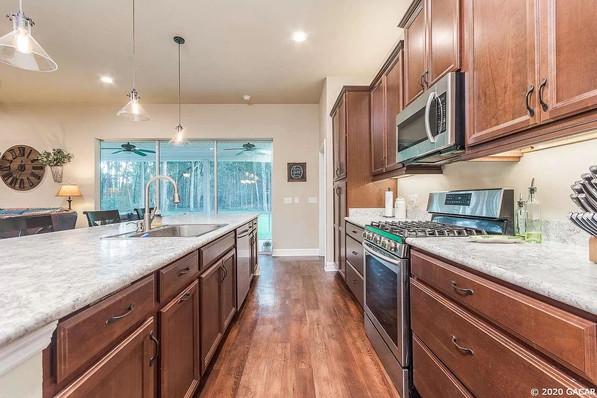 9258 (05) Kitchen.jpg