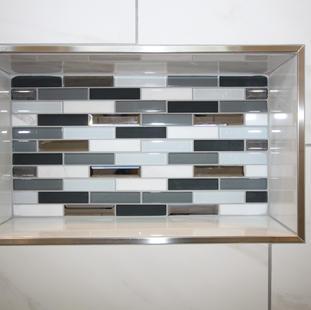 9299 (18) Master Bathroom.JPG