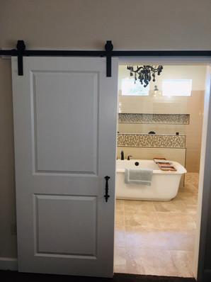 9292 (11) Master Bathroom Doors.jpg