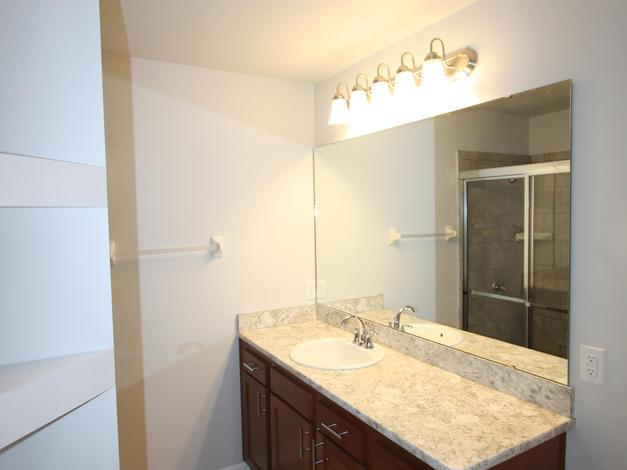 1011 Master Bathroom