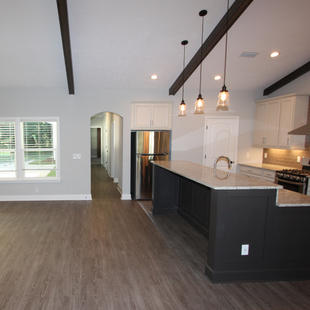 9301 (04) Kitchen.JPG