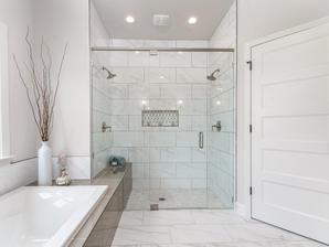 9315 Master Shower