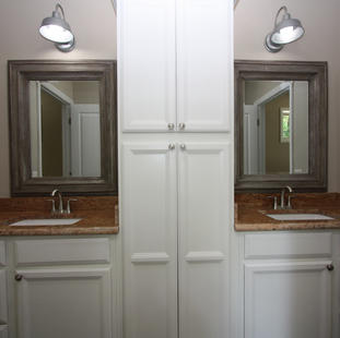 9247 (24) Bathroom 2.JPG