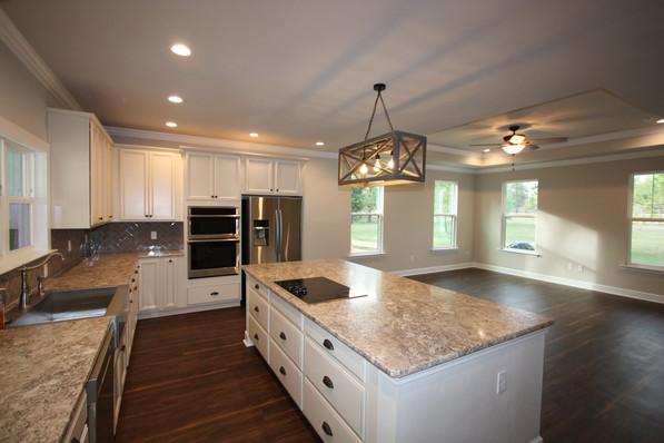 9293 (11) Kitchen.JPG