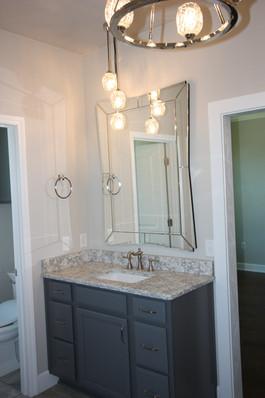 9295 (11) Master Bathroom.JPG