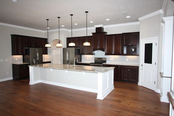 9261 (06)  Kitchen.JPG