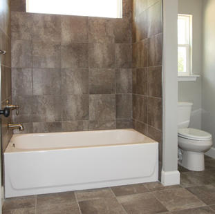 9310 (12) Bathroom 2.jpg