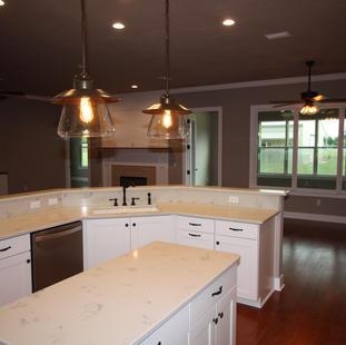 9273 (14) Kitchen.JPG